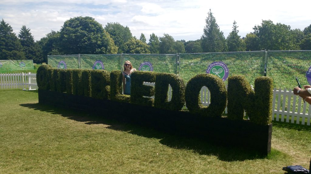 Wimbledon queue hedge